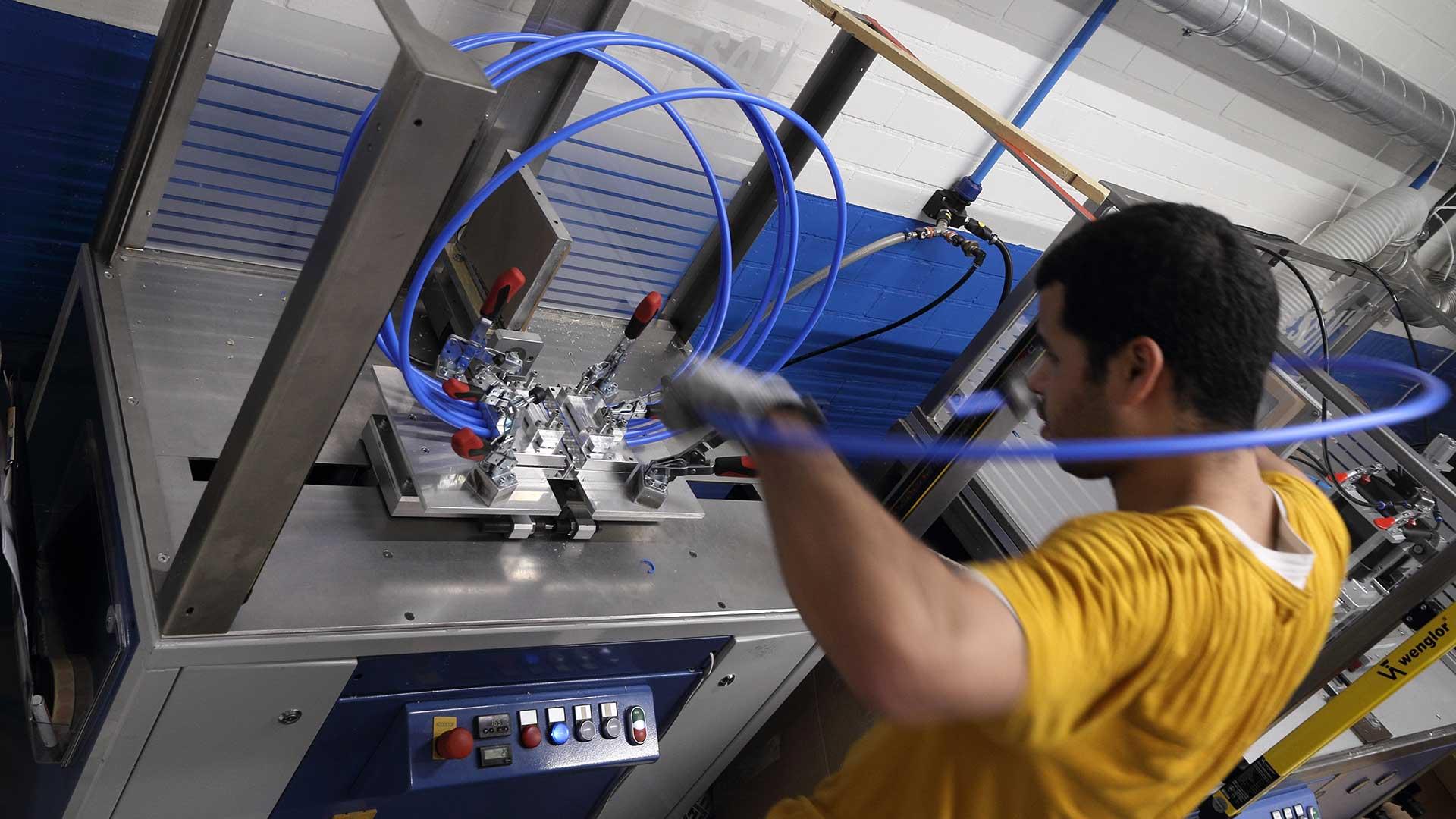 contracting loonwerk uitbesteden kunststof verbinden Aeson kenniscentrum voor het verbinden van kunststof